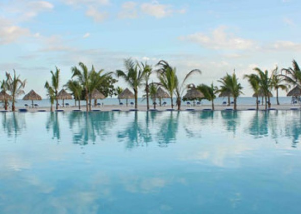 hotel Wyndham Grand Playa Blanca, piscina